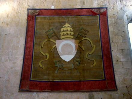 escudo-del-papa-luna-cstillo-de-peniscola.jpg